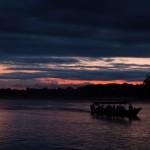 Sur le fleuve à l'aube